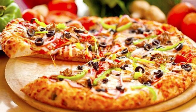 Cách làm bánh pizza không cần lò nướng