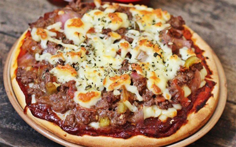 Cách làm pizza bò bằng nồi cơm điện